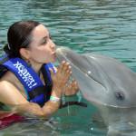 """Besando al delfín """"Badú"""""""