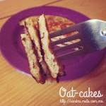 Oat & banana pancakes / Hot-cakes de avena y plátano